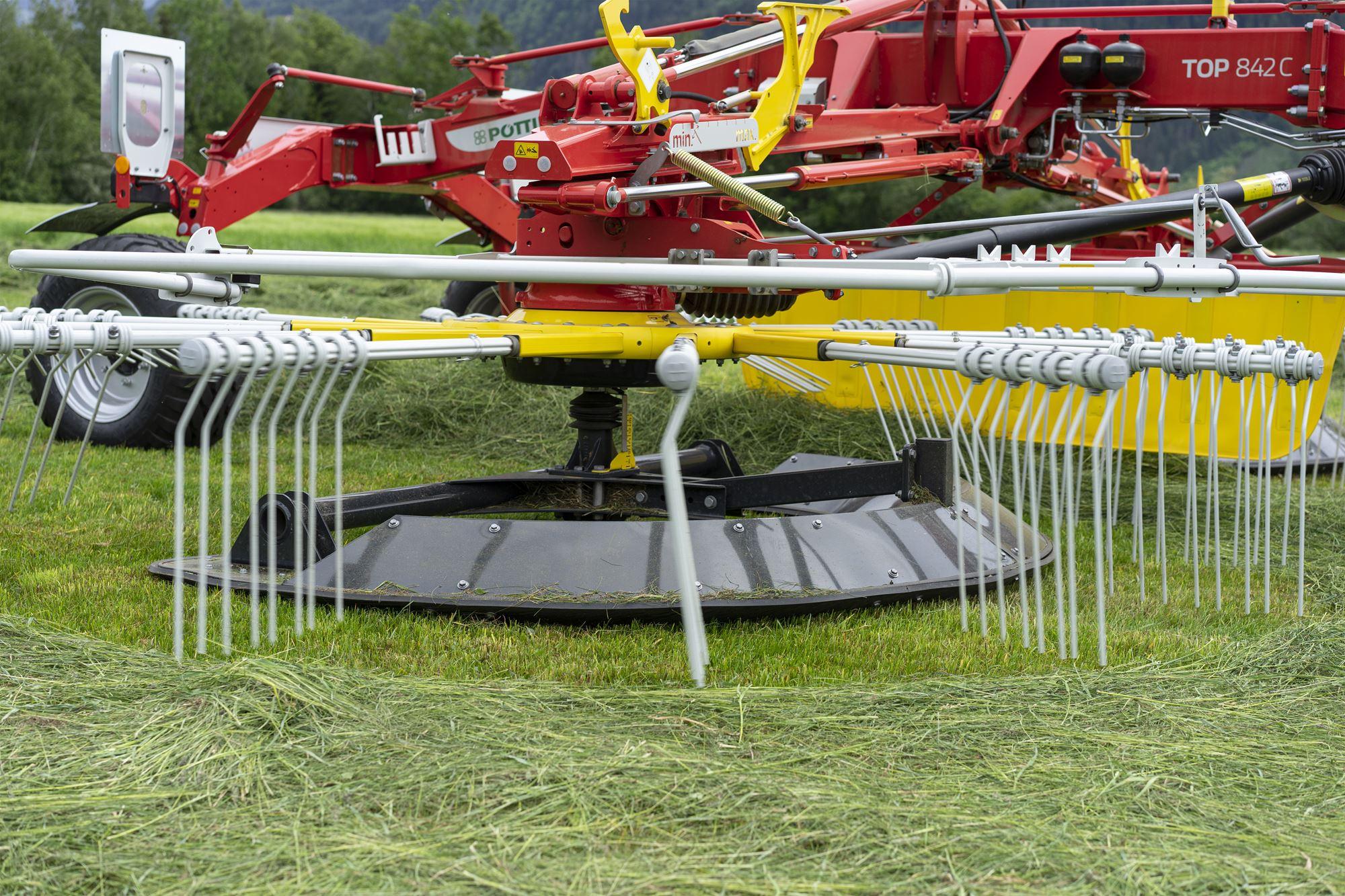 Flowtast glijbalk als optie op Pöttinger TOP 842 C