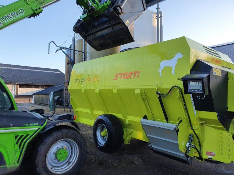 Nieuwe horizontale voermengwagen bij Storti