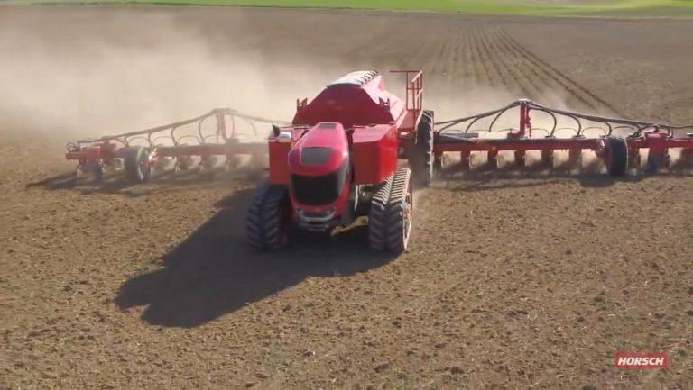 Horsch trekt veld in met robot